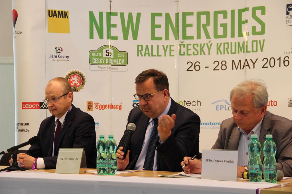 Ministr průmyslu a obchodu Jan Mládek se zúčastnil 5. New Energies Rallye Český Krumlov 2016